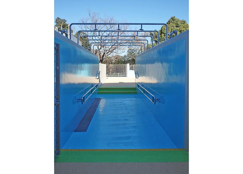 明野北小学校屋外プールシャワー
