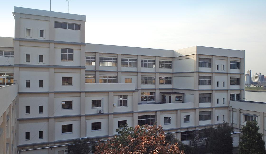 公共工事 大分県立舞鶴高等学校の外壁の改修工事