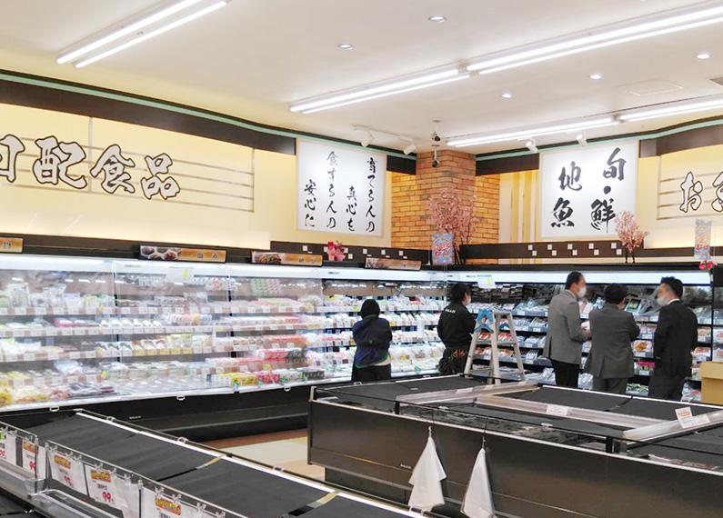 大分県杵築市食品スーパーマーケット内装改装工事 内装・店内サイン・看板3